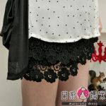 日系小媽咪孕婦裝。孕婦褲~蕾絲花布褲裙 M-XL (共二色)