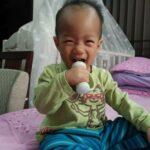 康貝 Combi teteo握把式刷牙訓練器 媽咪訓練小兒刷牙的工作終於不再累人